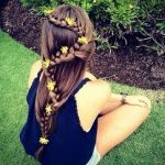【画像で解説】ロングヘアの髪型アレンジ特集【結婚式やデートに】のサムネイル画像