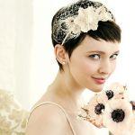 カジュアル結婚式が流行の今、キテるのはカチューシャアレンジ!のサムネイル画像