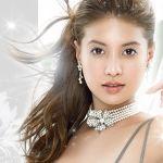吉川ひなのに憧れる女子必見!吉川ひなのプロデュースのカラコン!のサムネイル画像