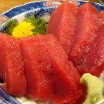 潮風の中、ふたりで満喫!鎌倉&湘南厳選地元グルメ味わいデートのサムネイル画像