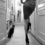 黒のストッキングを上品に着こなす方法&大胆な柄ストッキングのサムネイル画像