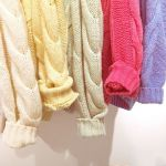 いま着たいのは【気分が上がるキレイ色】♡ トレンド4色のコーデ主役アイテムのサムネイル画像