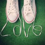 足元におしゃれのワンポイントを!かわいい靴紐の結び方とはのサムネイル画像