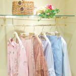 流行のキレイ色は、ON・OFFで使い分けて♡《淡色通勤&ヴィヴィット週末》コーデのサムネイル画像