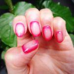 初夏のお出かけにぴったり♡簡単《カラーチーク&逆チークネイル》のサムネイル画像