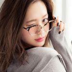 眼鏡美人は前髪でつくられる!メガネにぴったりのおすすめ前髪のサムネイル画像