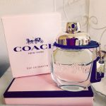 知ってるようで知らなかった?《香水のつけ方》次第で素敵な香り方♡のサムネイル画像