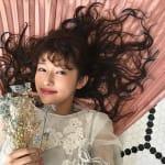 寒い時期にぴったり♡ちょっぴり重めの【ダウンヘア・アレンジ特集】のサムネイル画像