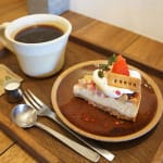 行列のできる人気カフェ!【cafe SOROR】でまったり時間♡のサムネイル画像