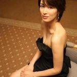 吉瀬美智子と堺雅人は両想い!?度々の共演でお互いメロメロに!のサムネイル画像