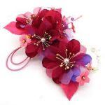 華やかな【花】【花モチーフ】の髪飾りをつけてハッピーに★のサムネイル画像