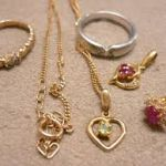 プレゼントにほしい2大アクセサリー☆女子に人気の指輪とネックレスのサムネイル画像