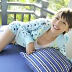 アイドルみたい!平野綾さんの可愛い水着画像!笑顔にも注目!のサムネイル画像