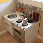 「木目+白のタイル」diyキッチンに飽きたら…海外に学ぶキッチン作りのサムネイル画像