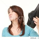 変わった方法も!革靴の嫌な臭いを取るにはどうすればいい?のサムネイル画像
