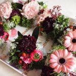 結婚式には生花のコサージュ!可憐で華やかで胸元に花束があるみたい!のサムネイル画像