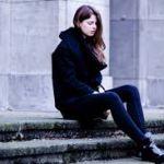 【ファッション】黒コートでお洒落女子になれるコーデ方法!のサムネイル画像