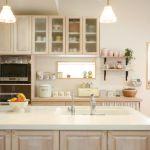 キッチンの壁紙を張り替えるだけでお洒落なキッチンに大変身♪のサムネイル画像