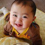 赤ちゃんの服って何ヶ月で何センチ?赤ちゃんの服のサイズまとめ!のサムネイル画像