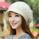 [この秋冬に使える]女性の必須アイテム・帽子のコーデをご紹介♪♪のサムネイル画像