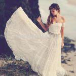 オフショルダーのウェディングドレスに未来の花嫁たちが大注目!!のサムネイル画像
