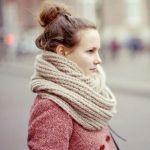 冬をおしゃれに温かく!ラクラク作れる手編みのスヌードに挑戦のサムネイル画像