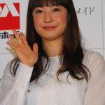 結婚から2年!菅野美穂さんが無事出産。家族との今の生活は?のサムネイル画像