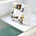 お風呂で読書をする時におすすめしたい便利なグッズをご紹介!のサムネイル画像