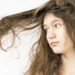 ストレートヘアーになりたい、生活習慣を見直して髪の癖を改善のサムネイル画像