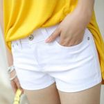 夏だけじゃもったいない、一年中履きたいホットパンツコーデのサムネイル画像