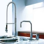 キッチンで使う、水栓は、用途やライフスタイルに合わせたものを!のサムネイル画像