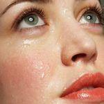 夏の汗も怖くない、化粧下地で一日中テカらない肌を手に入れようのサムネイル画像