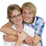 結婚前に気づきたい!マザコン男の特徴15個を紹介します!のサムネイル画像