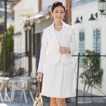 カラースーツをご紹介!フォーマルレディースコーデにおすすめ!のサムネイル画像