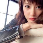 ユニクロは気軽に買えてとってもおしゃれ!シンプルなのが魅力的♡のサムネイル画像
