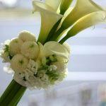 ブライダルブーケ♡凛としたスタイリッシュなカラーを花束に☆のサムネイル画像