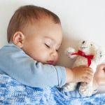 里帰り出産や旅行の際に利用したい折りたたみ可能なベビーベッドのサムネイル画像