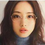 この春いつものコーデにプラスしたい!気になる人気のメガネとはのサムネイル画像