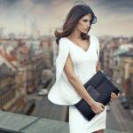 海外に学ぶ、キャリアウーマンのエレガントなファッションスタイルのサムネイル画像