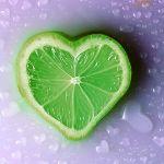 かっこよくも優しくもなる♡2種類の緑の小物を取り入れよう!のサムネイル画像