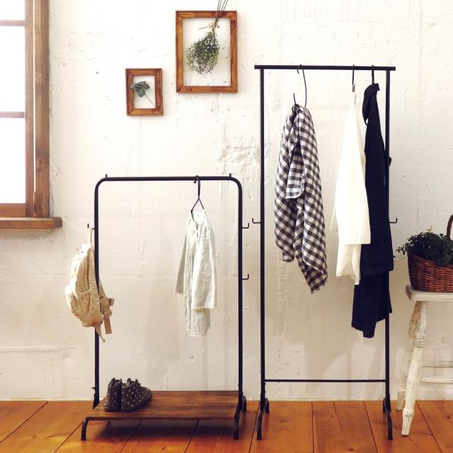無印のハンガーラックはシンプルでお部屋をおしゃれな印象に♪ |MARBLE [マーブル]