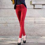 レディースの赤パンツはそれだけで存在感ある!コーデがおしゃれに!のサムネイル画像