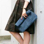 レディースのコーデにクラッチバッグを取り入れると可愛い♡のサムネイル画像