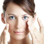 目の周りの代謝を整える!おすすめのアイクリーム♪効果と口コミのサムネイル画像
