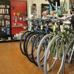 自転車もこれでかっこよく、可愛く乗りこなせる!街乗りファッションのサムネイル画像