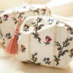 開ける度にハッピーな気分、バッグの中にプリティーな花柄ポーチを!のサムネイル画像