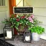 玄関は家の顔!センスが光る、手軽な「玄関先ガーデニング」に挑戦!のサムネイル画像