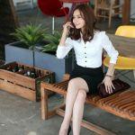 オフィスでもキレ可愛い♡ネイビースーツのオシャレな着こなし術のサムネイル画像