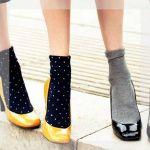 ヒールのある靴に靴下!?イマドキオシャレの新常識スタイル!のサムネイル画像
