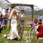 これから結婚式を挙げる方へ。結婚式にかかるお金と節約の方法のサムネイル画像